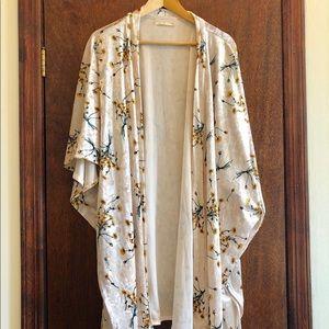 Anthro Floreat Dandelion Floral Velvet Kimono